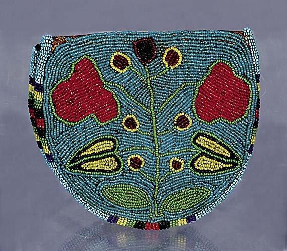 411: Native American beaded pouch/purse circa 1880-1910