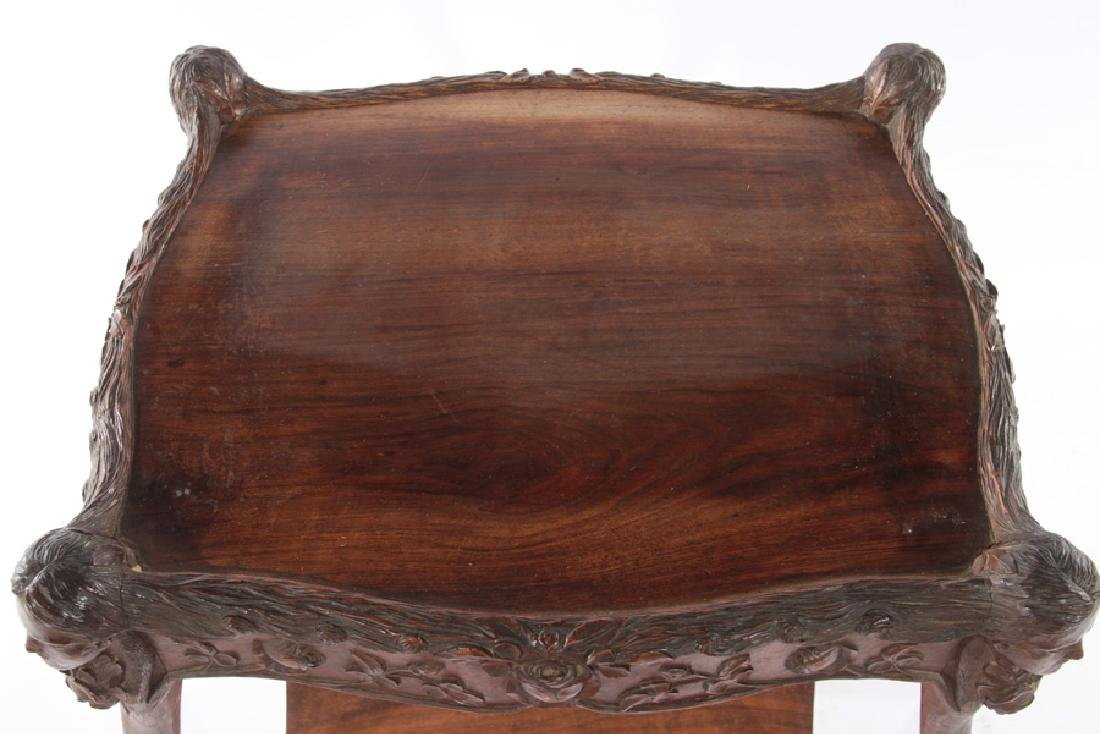 19TH CENT. VICTORIAN CARVED WALNUT SIDE TABLE - 3