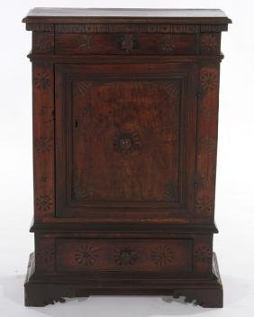 18TH CENT. ITALIAN CARVED WALNUT SIDE TABLE