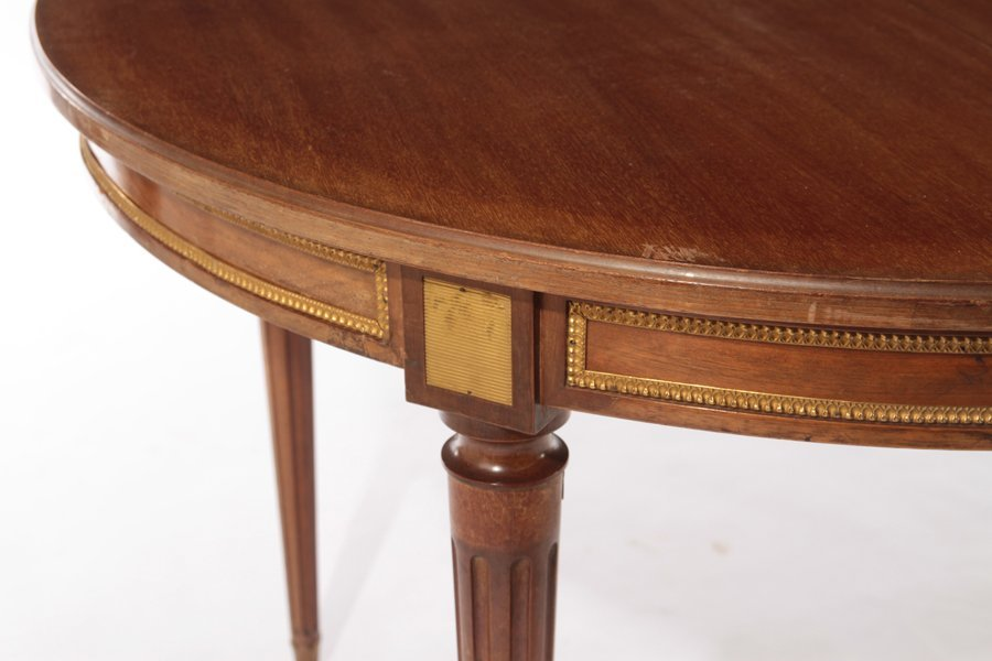 FRENCH LOUIS XVI MAHOGANY DINING TABLE 1940 - 5