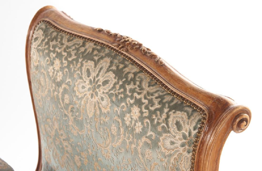 CARVED FRENCH LOUIS XVI STYLE DAY BED C.1940 - 3