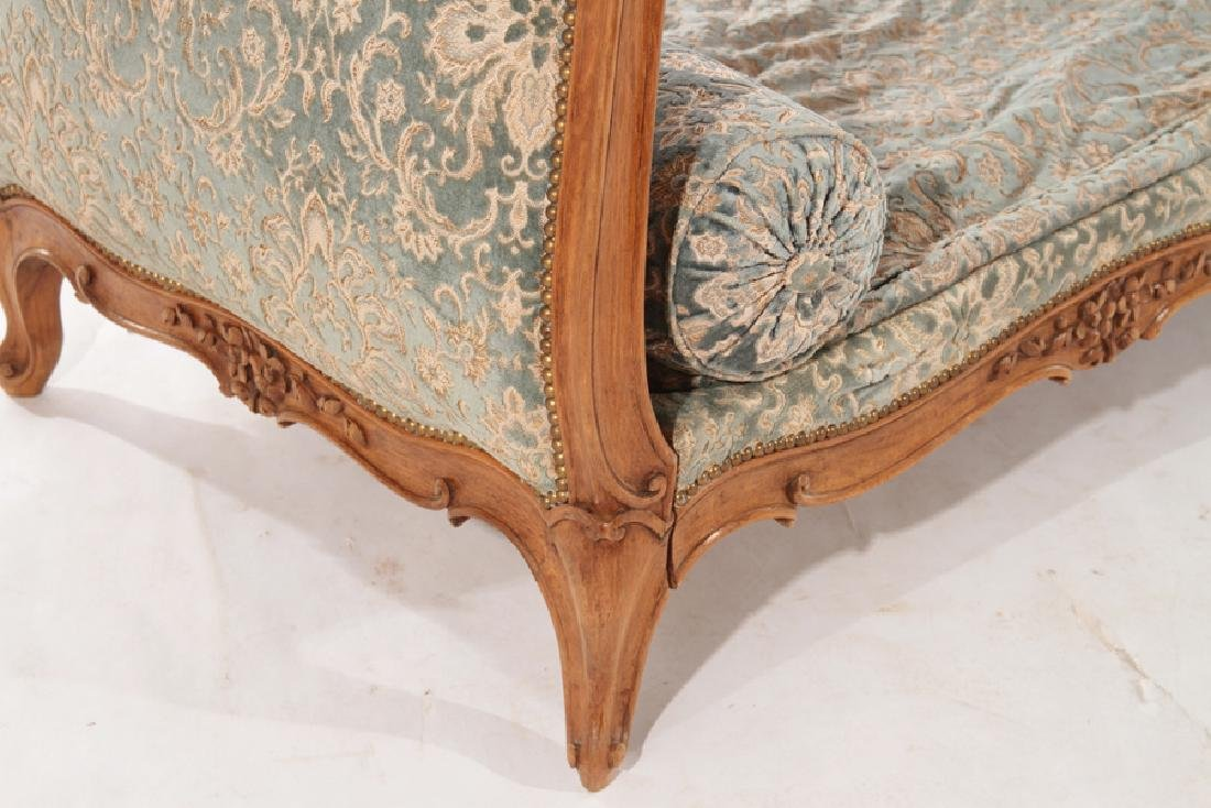 CARVED FRENCH LOUIS XVI STYLE DAY BED C.1940 - 5