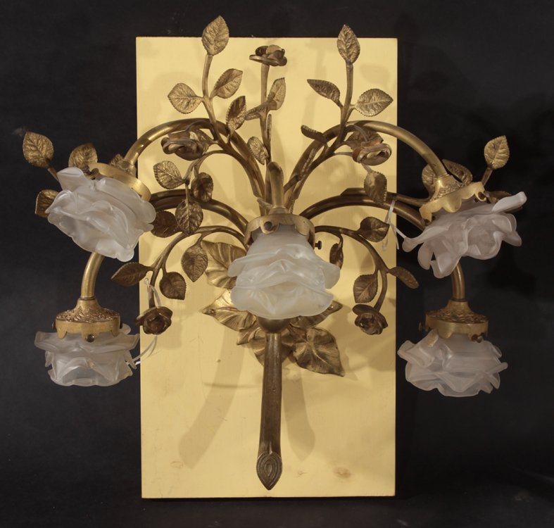 PAIR OF BRONZE FLORAL AND LEAF DECORATED SCONCES - 2