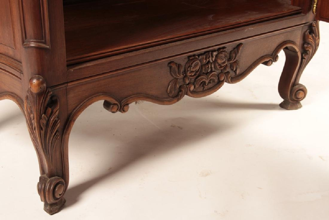 A LOUIS XV STYLE VIRTINE RAISED ON CABRIOLE LEGS - 5