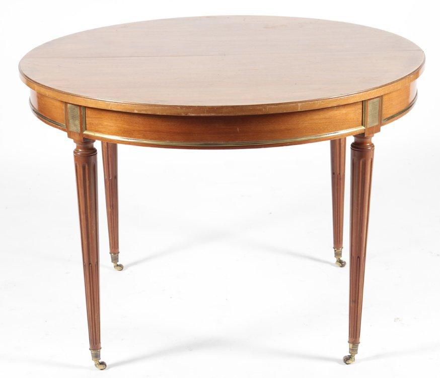 ROUND MAHOGANY LOUIS XVI STYLE DINING TABLE C1940