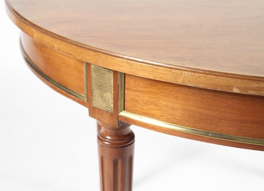 ROUND MAHOGANY LOUIS XVI STYLE DINING TABLE C1940 - 3