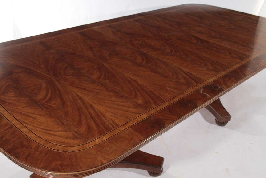 LABELED HENREDON GEORGE III STYLE DINING TABLE - 3