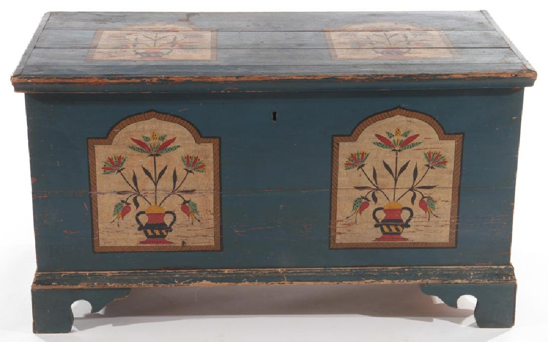 19TH CENTURY LIFT LID BLANKET CHEST