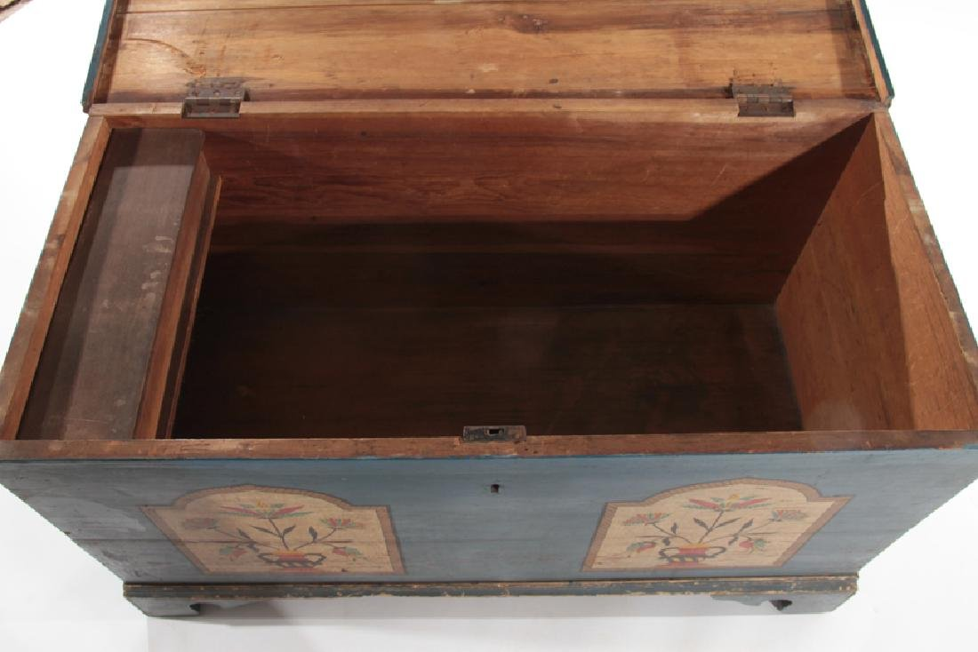 19TH CENTURY LIFT LID BLANKET CHEST - 4