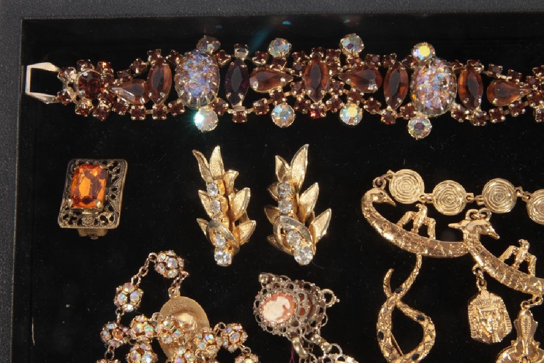 18 COSTUME JEWELRY ITEMS WITH SET STONES C.1940 - 2
