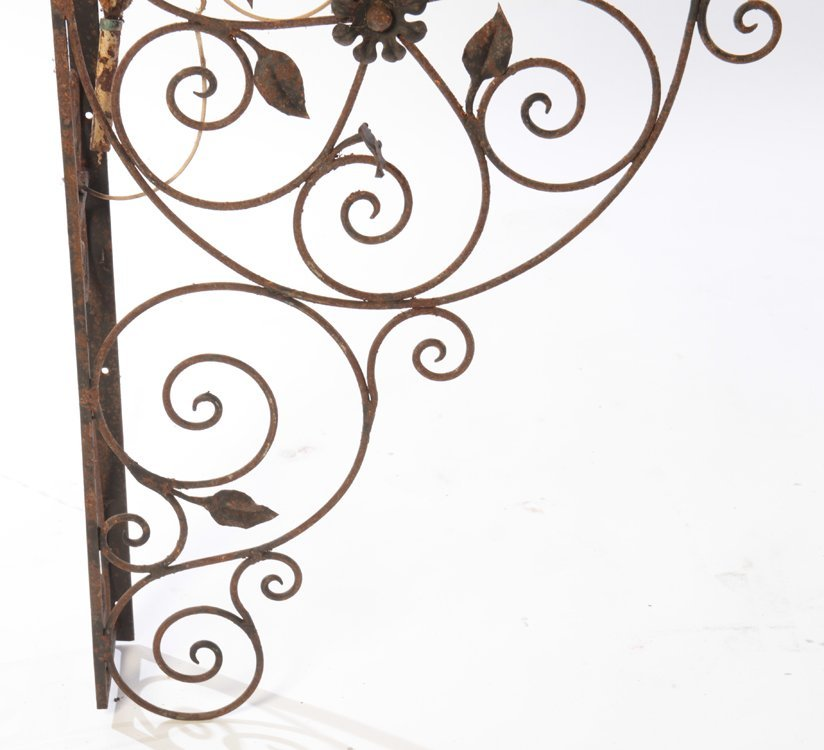 COLLECTION 4 WROUGHT IRON GARDEN ELEMENTS C.1940 - 4