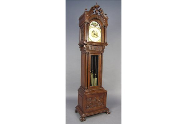 4024: MAGNIFICENT CARVED OAK GRANDFATHER CLOCK WITH WIN