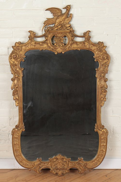 FEDERAL STYLE CARVED GILT WOOD MIRROR