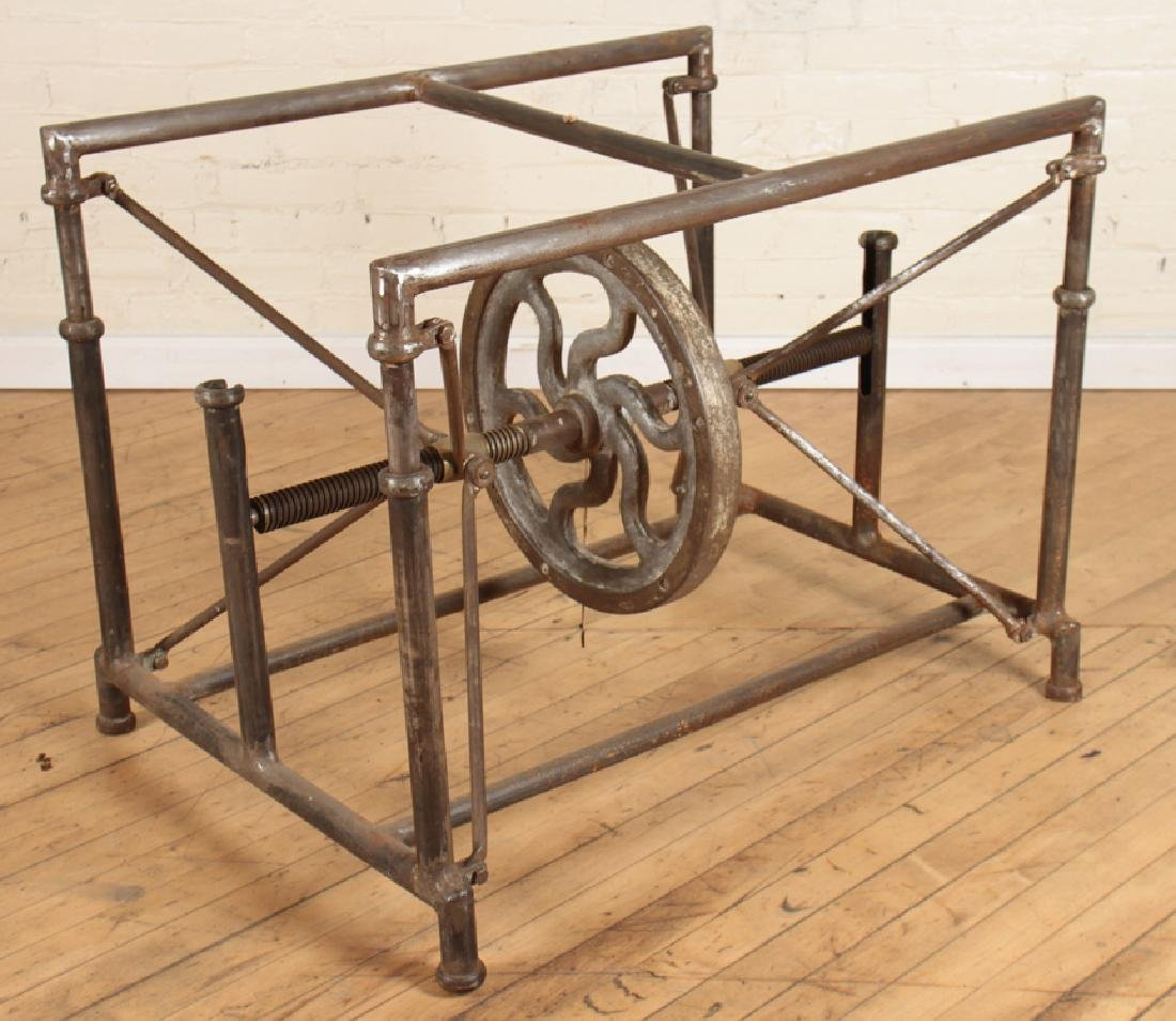 INDUSTRIAL MECHANICAL IRON TABLE