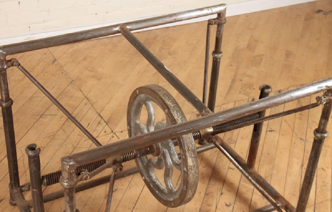 INDUSTRIAL MECHANICAL IRON TABLE - 3