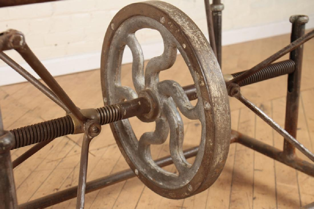 INDUSTRIAL MECHANICAL IRON TABLE - 4