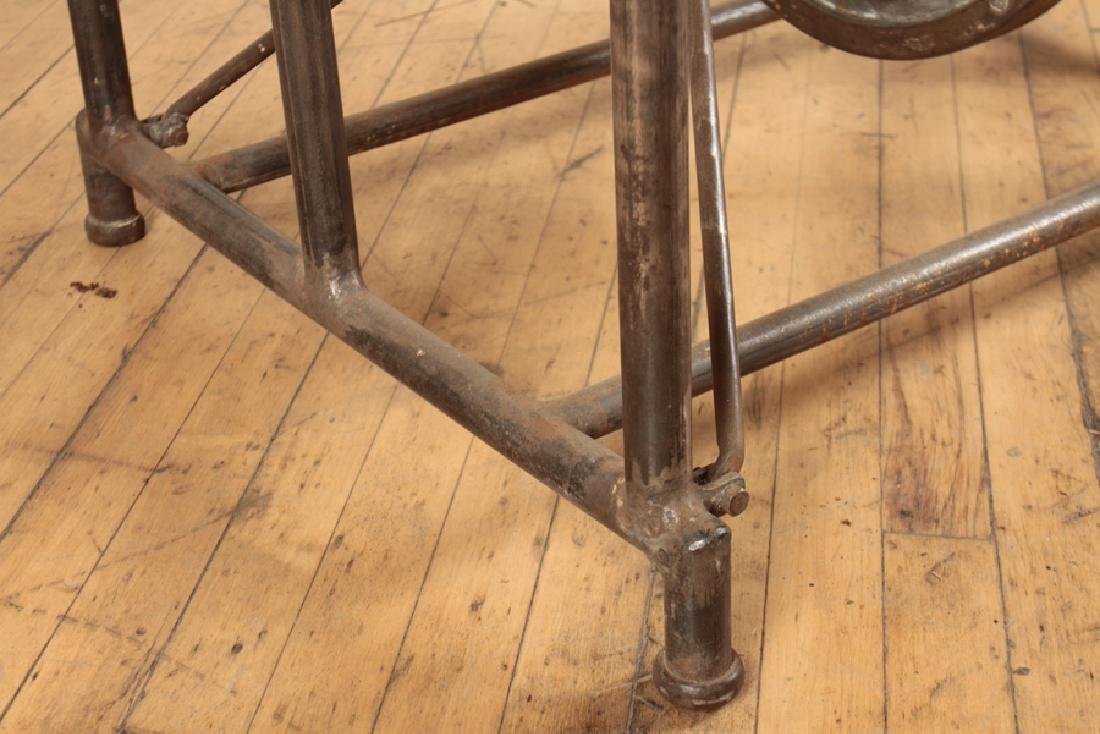 INDUSTRIAL MECHANICAL IRON TABLE - 5