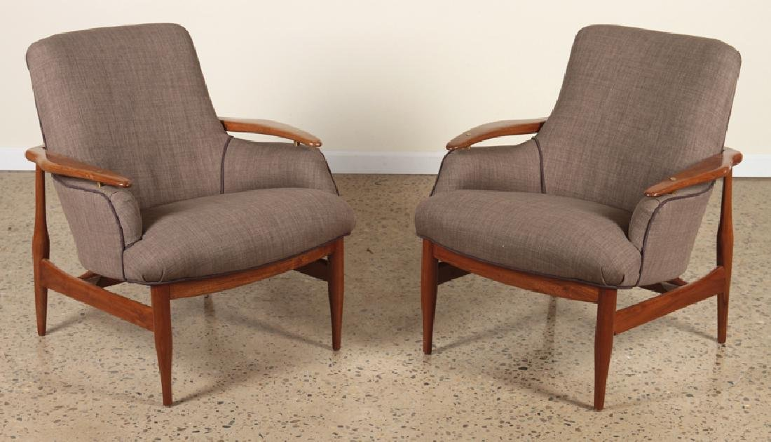 PAIR FINN JUHL ATTR UPHOLSTERED CLUB CHAIRS