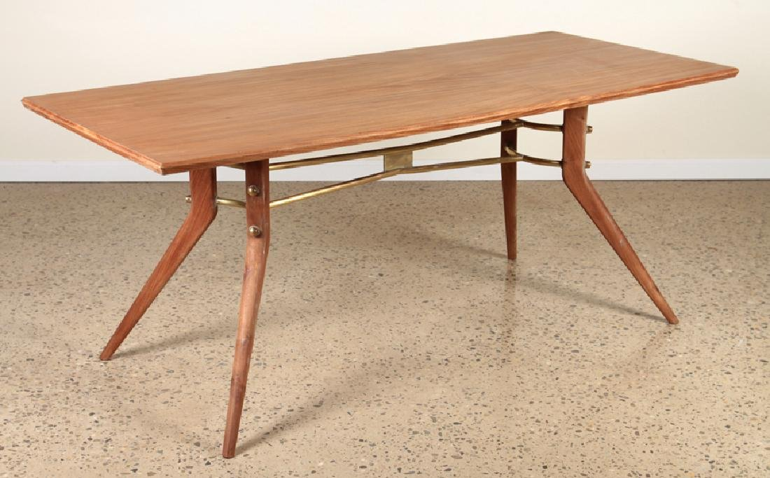 MAHOGANY DINING TABLE MANNER OF ICO PARISI C.1950