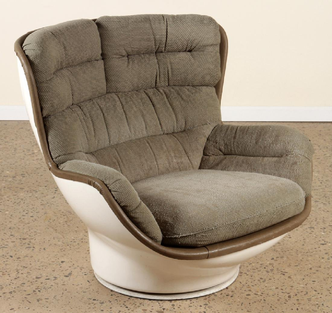 MID CENTURY MODERN EGG CHAIR UPHOLSTERED SEAT