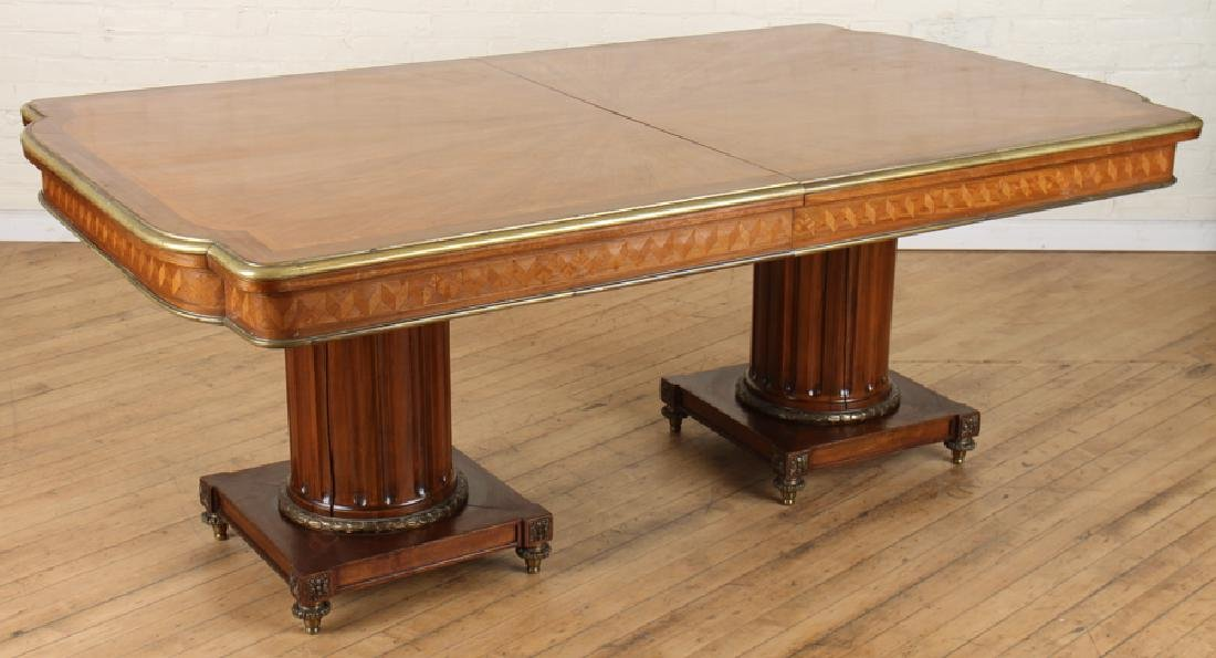 FRENCH SATINWOOD MAHOGANY DINING TABLE C.1930