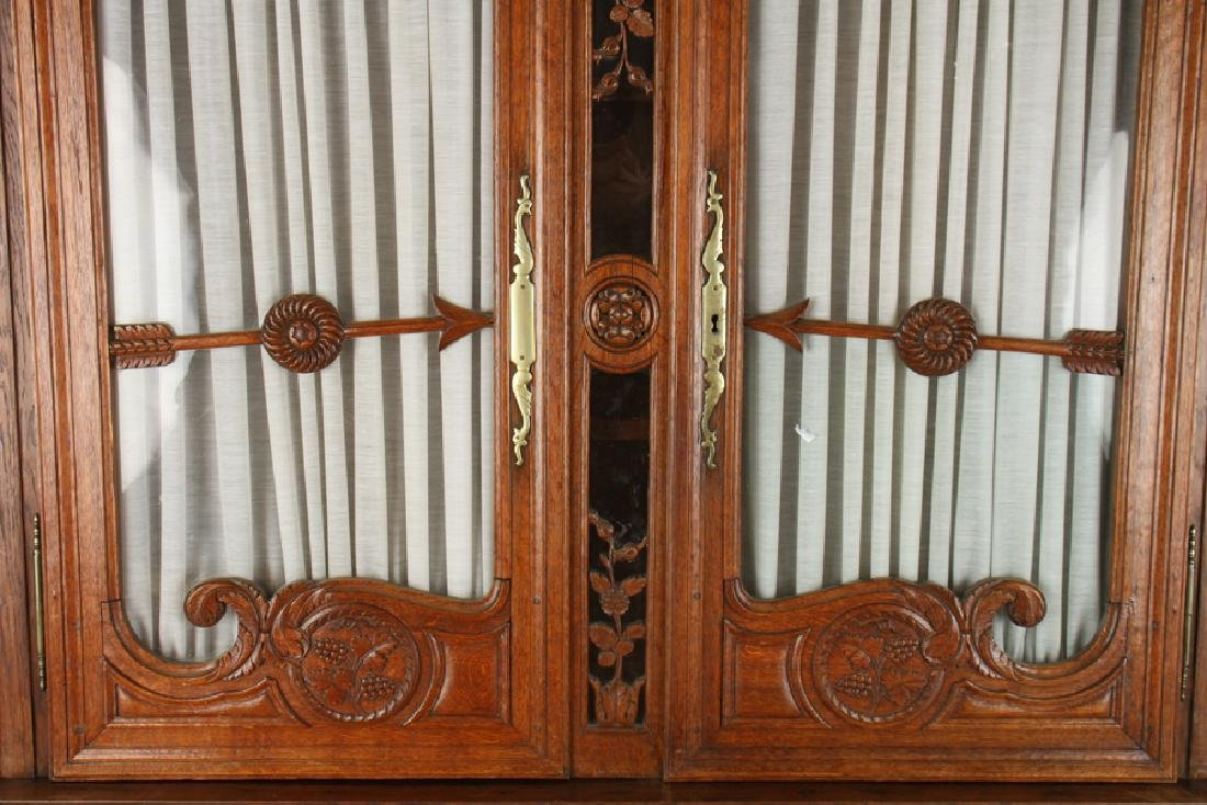 19TH CENT. CARVED OAK FRENCH BUFFET DEUX CORPS - 3