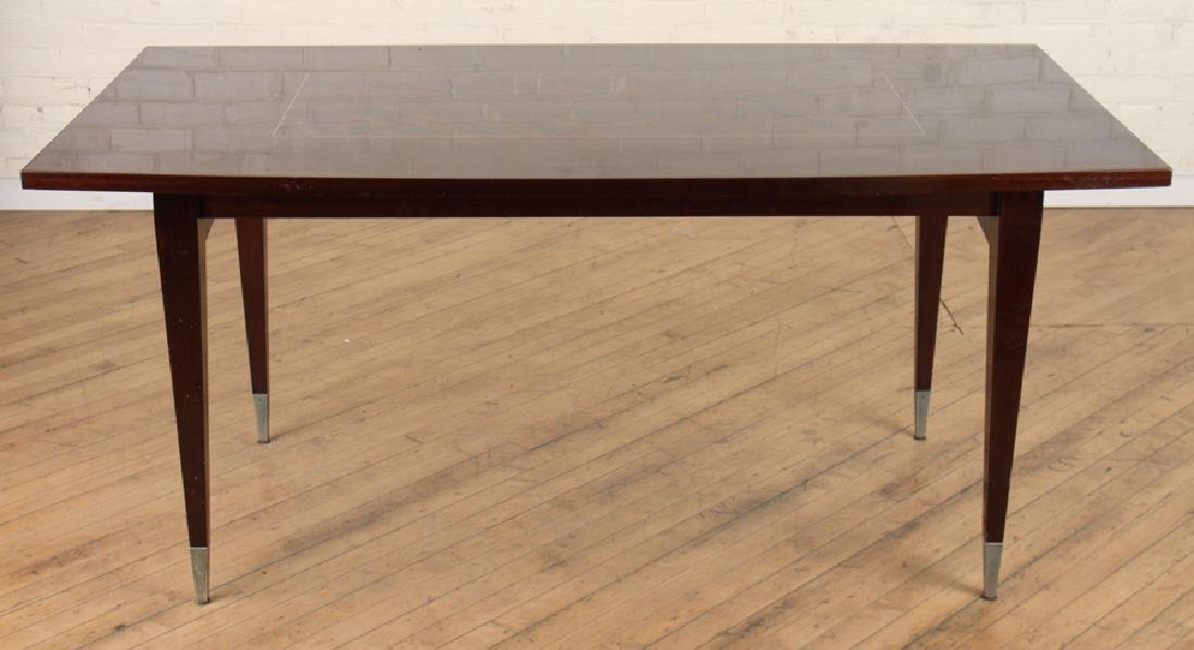MAHOGANY DINING TABLE ON TAPERED LEGS C. 1950