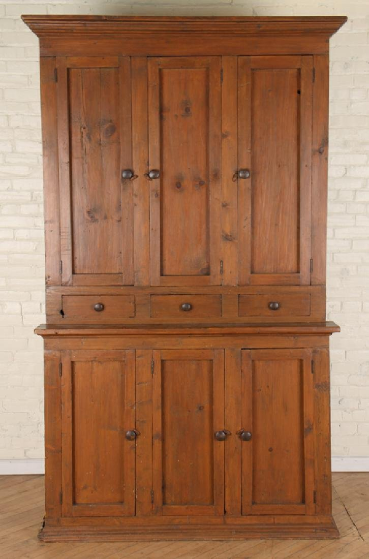A 19TH CENTURY OAK COUNTRY CABINET