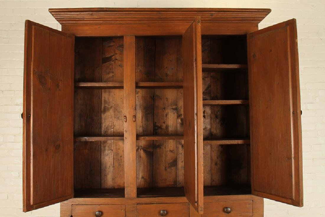 A 19TH CENTURY OAK COUNTRY CABINET - 3