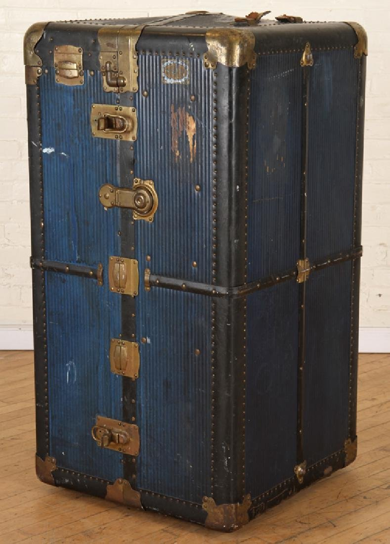RARE BLUE COLOR EVERWEAR BRAND STEAMER TRUNK