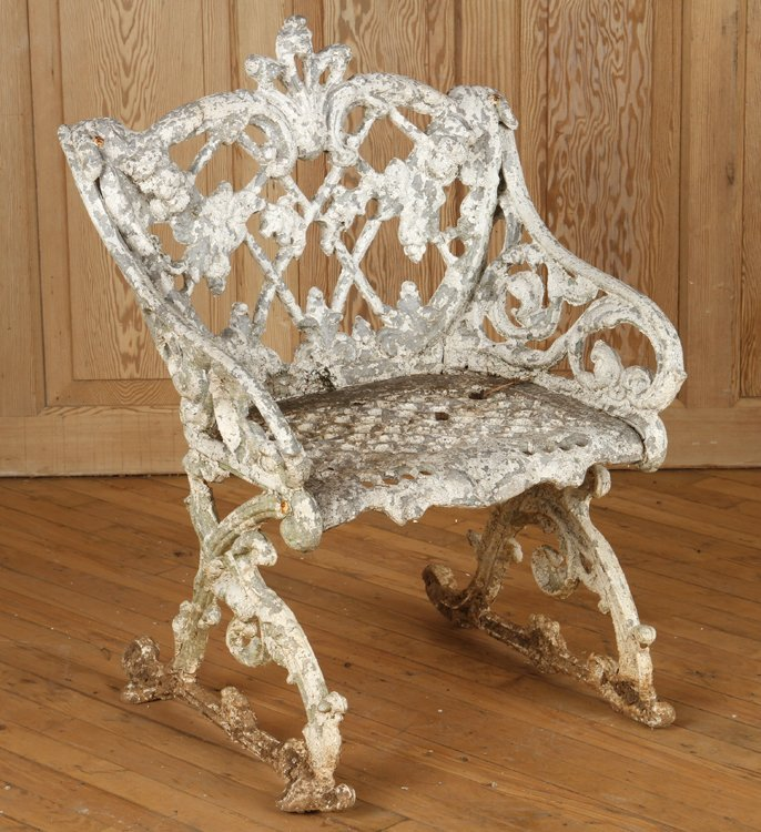 4 CAST METAL SLEIGH FORM GARDEN CHAIRS AND TABLE - 6