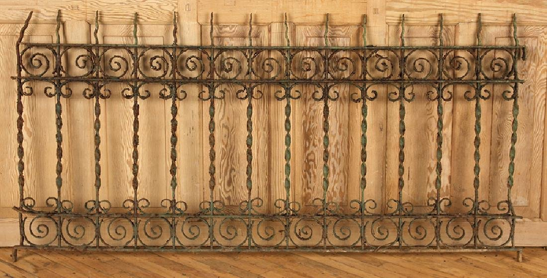 5 PIECES VICTORIAN WROUGHT IRON FENCING - 3