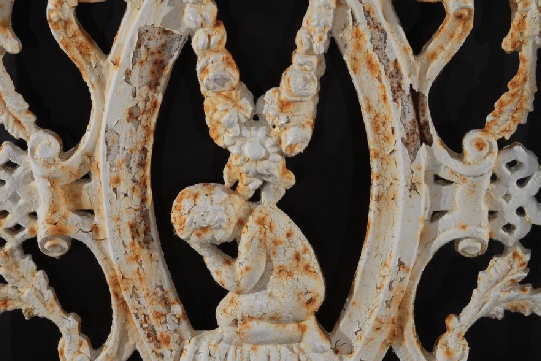 19TH CENTURY PAINTED CAST IRON GATE - 3