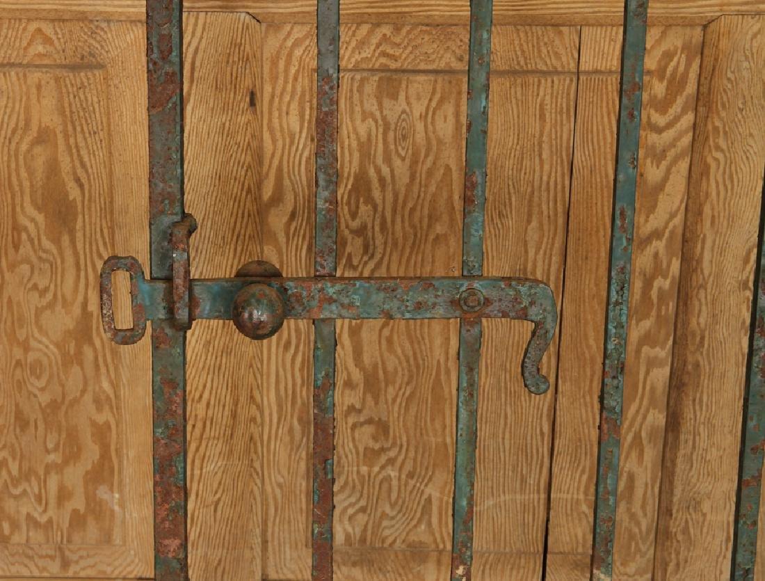 SINGLE WROUGHT IRON GATE CIRCA 1900 - 4
