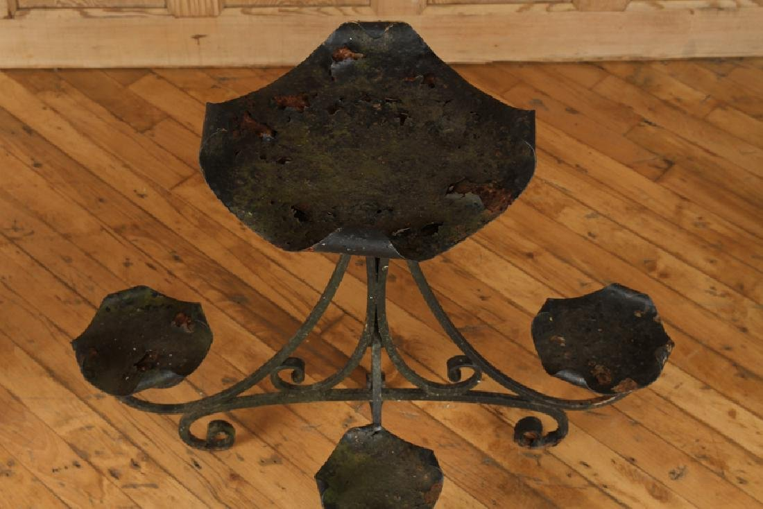 AN ANTIQUE WROUGHT IRON PLANT STAND - 2