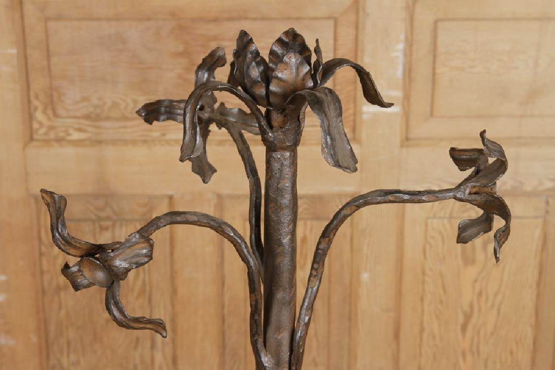 PAIR OF WROUGHT IRON LAMPS TRIPOD BASE - 3