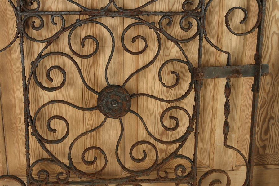 TWO ANTIQUE CAST & WROUGHT IRON GATES C.1890-1910 - 3