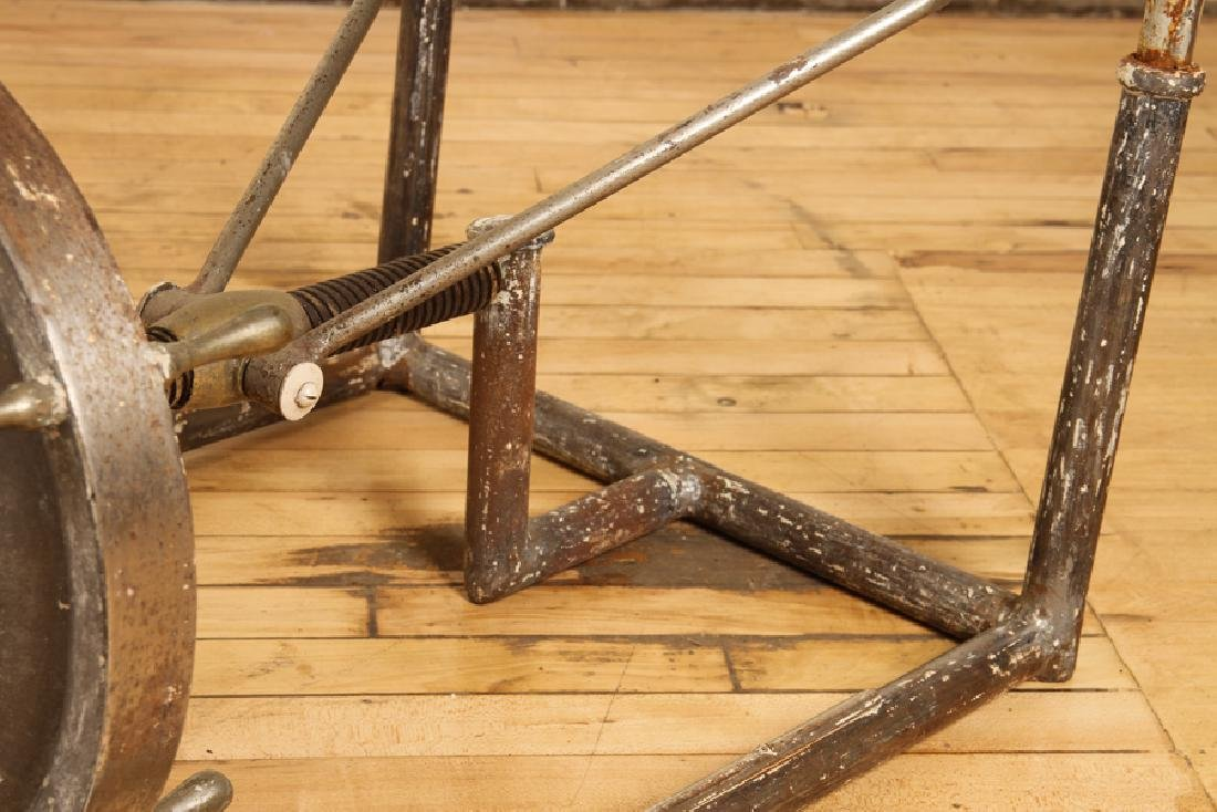 VINTAGE INDUSTRIAL IRON MECHANICAL TABLE BASE - 4