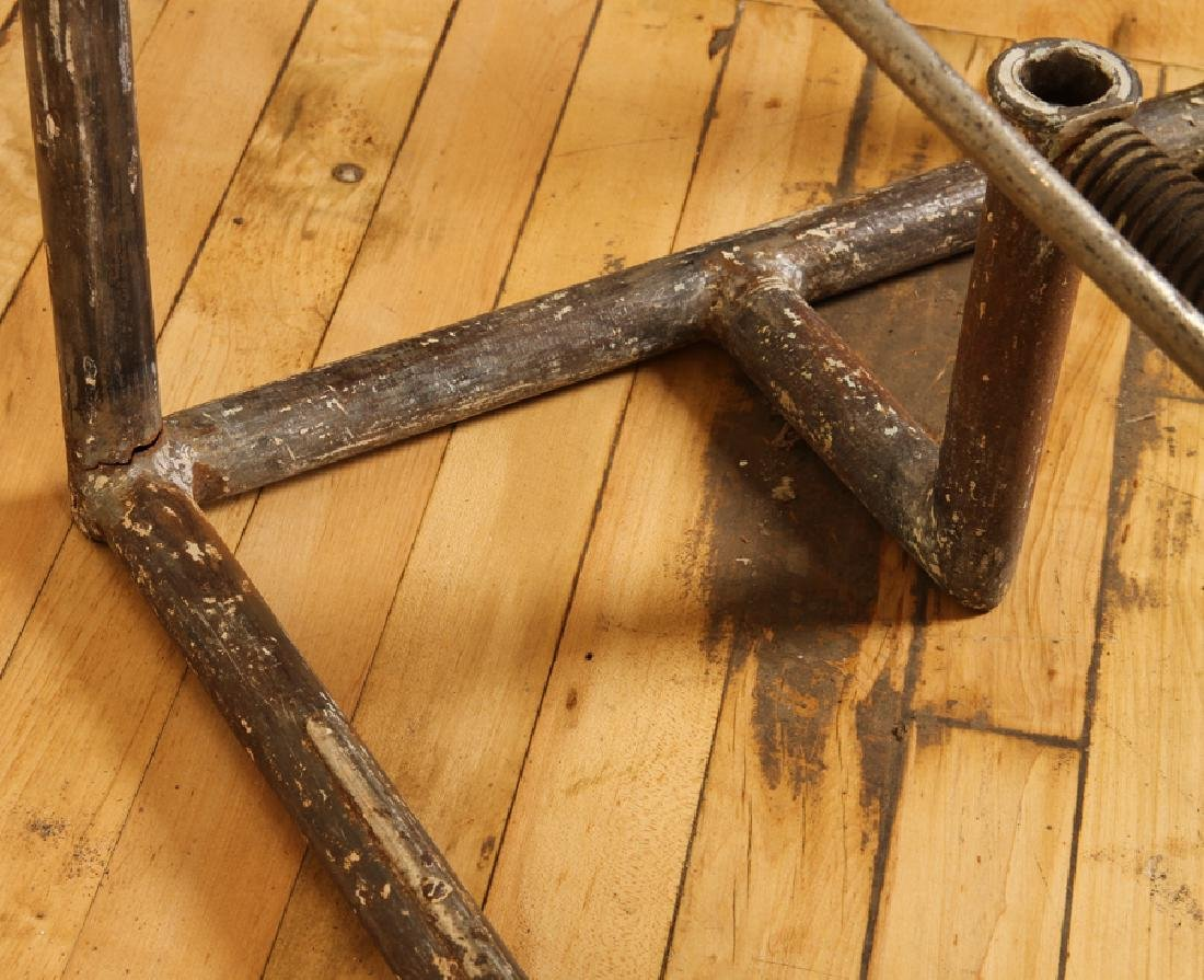 VINTAGE INDUSTRIAL IRON MECHANICAL TABLE BASE - 5