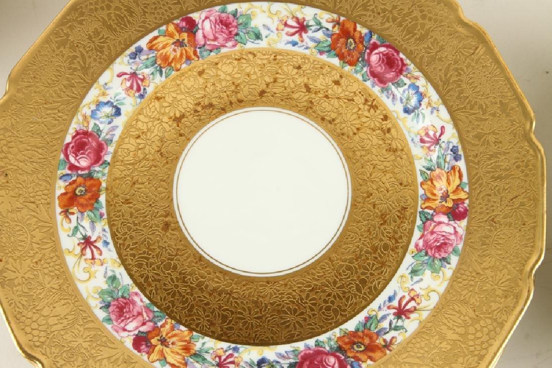 24 LIMOGES PORCELAIN GILT PLATES IN TWO PATTERNS - 3
