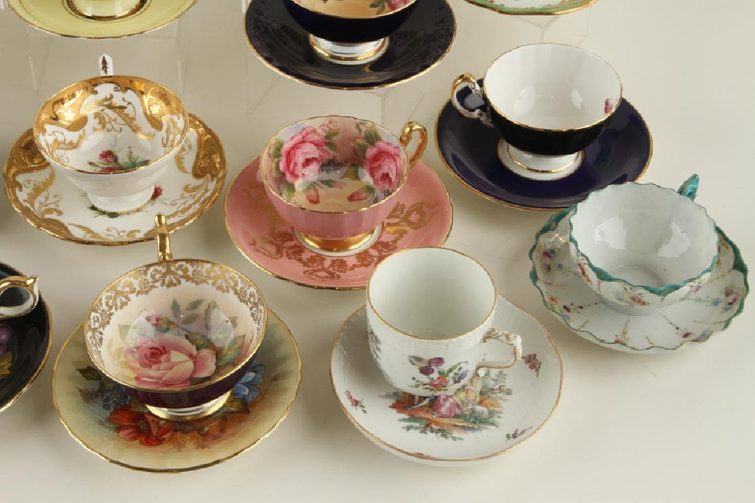 32 HAND PAINTED PORCELAIN TEA CUPS AND SAUCERS - 5