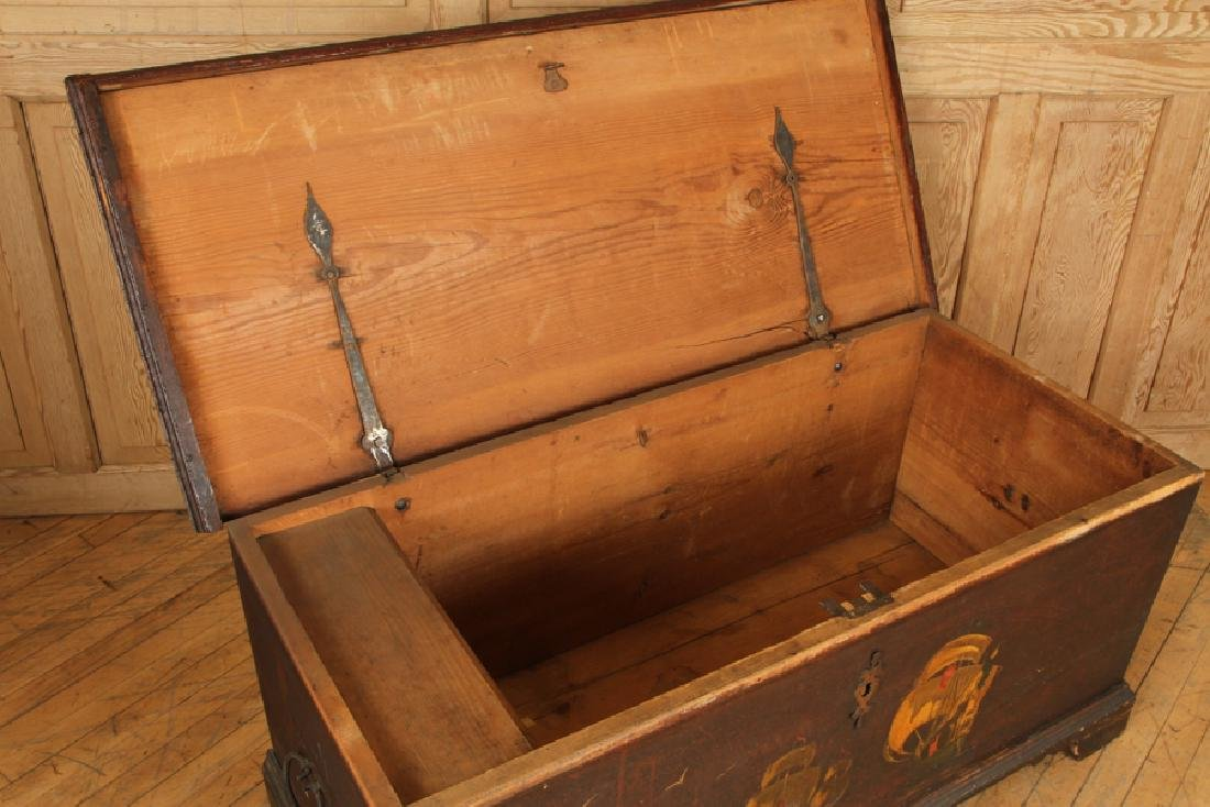 18TH C. PAINTED CONTINENTAL BLANKET CHEST - 5