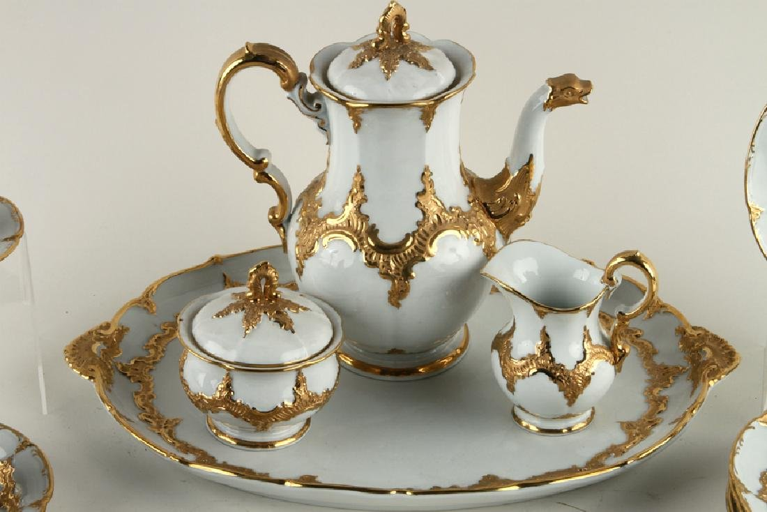 23 PIECE MEISSEN GILT PORCELAIN COFFEE SERVICE - 2