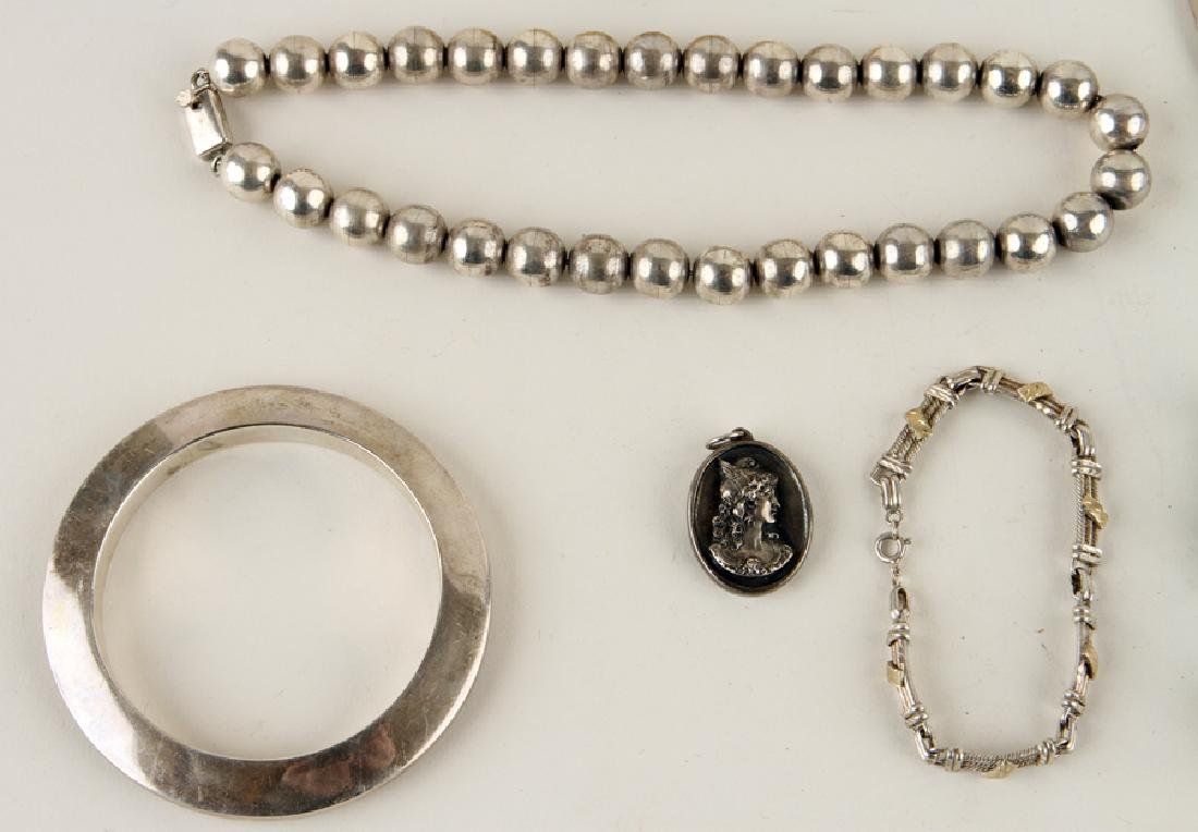 COLLECTION OF 14 PIECES OF SILVER JEWELRY - 5