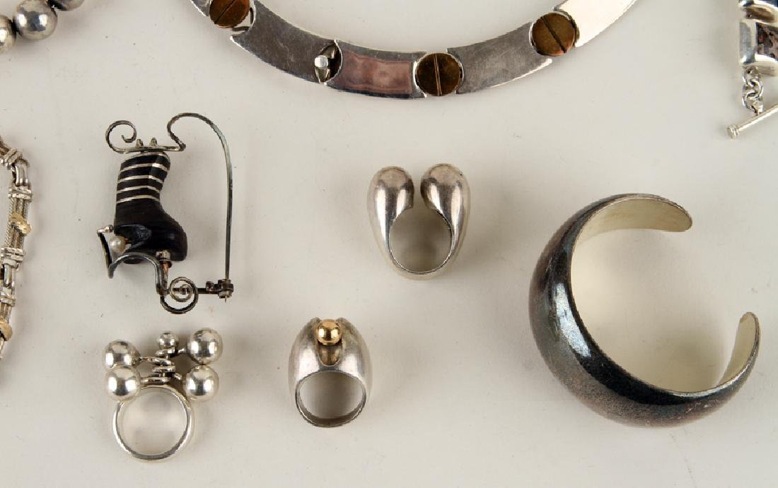COLLECTION OF 14 PIECES OF SILVER JEWELRY - 6