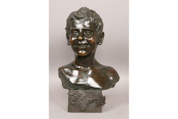 12: 12: Sculpture bronze French boy