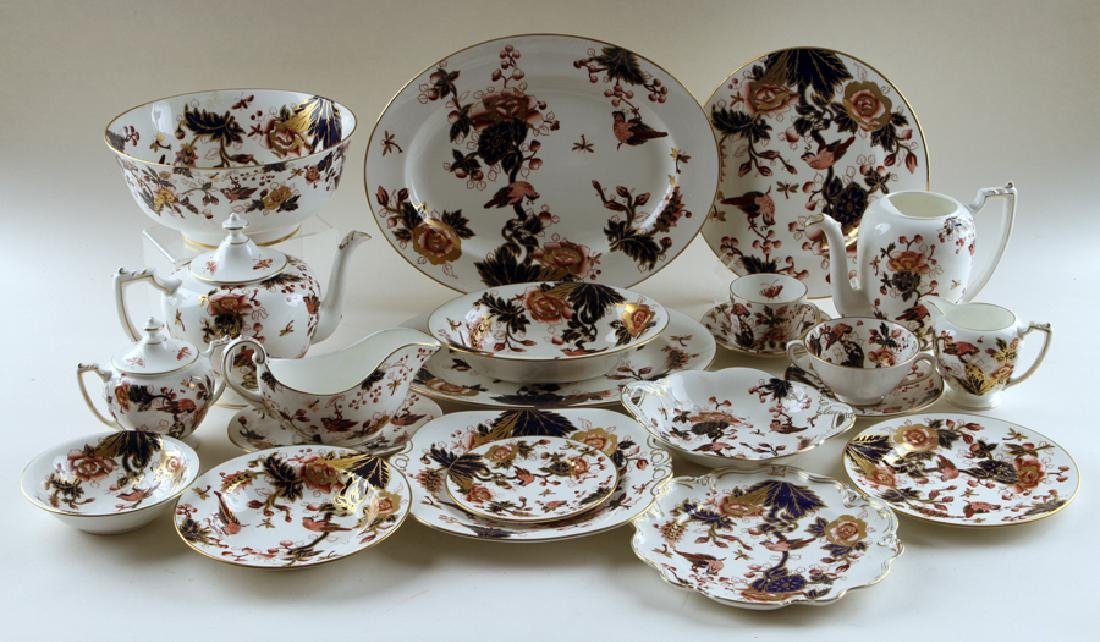 ONE HUNDRED SIXTY-EIGHT PIECES COALPORT CHINA