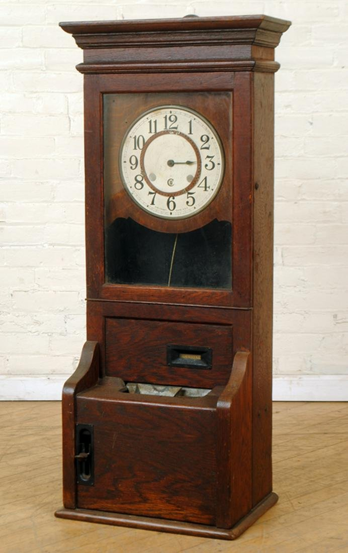CINCINNATI TIME RECORDING CO. CLOCK IN OAK CASE