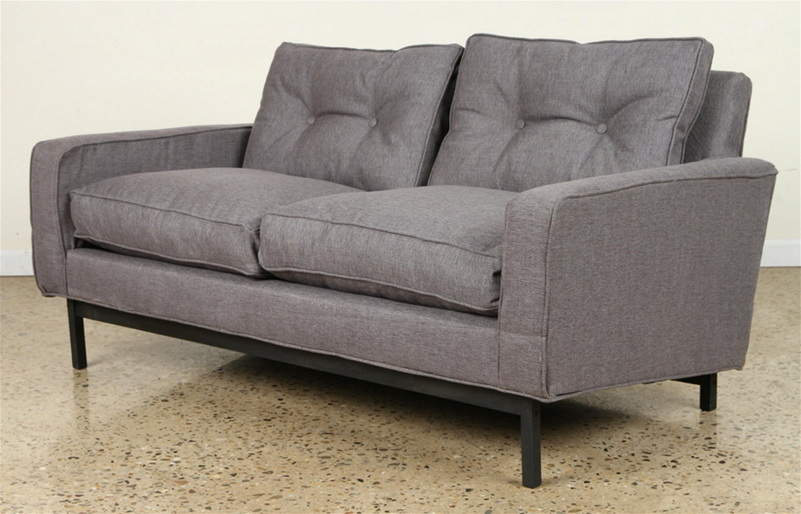 MID CENTURY MODERN SETTE ON IRON FRAME BY KNOLL