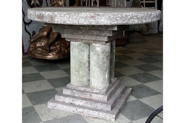 20: pr round cast stone garden table